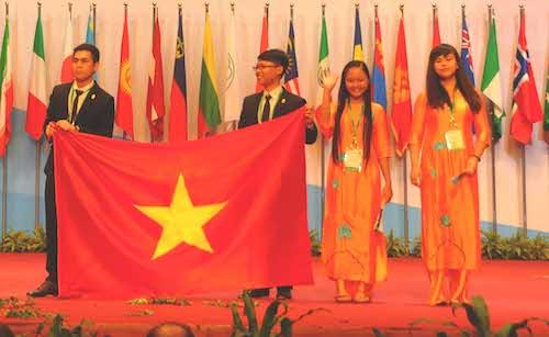 ベトナムの学生、生物学オリンピックで金メダルを