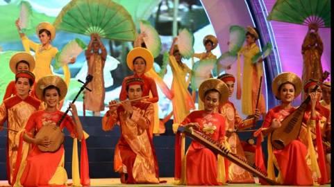 ベトナム南部の伝統民謡ドンカータイトゥー