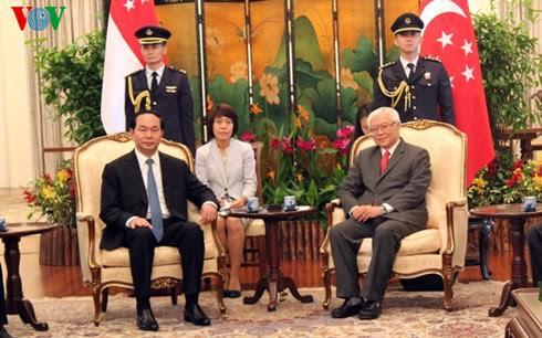 Vietnam dan Singapura memperkuat lebih lanjut lagi hubungan kemitraan strategis