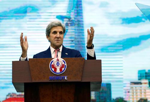 Mengembangkan  secara lebih intensif dan ekstensif  hubungan komprehensif Vietnam-AS