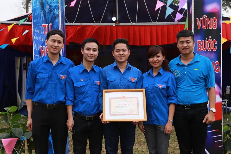 Lagu-lagu tentang pemuda relawan Vietnam
