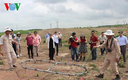 ベトナムでの戦後の地雷・不発弾除去に関する支援者会議