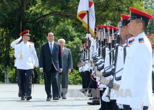 进一步加强越南与新加坡战略伙伴关系