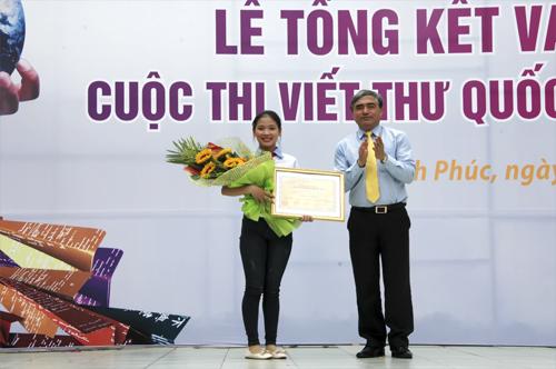 Vietnamesische Schülerin gewinnt Briefschreibwettbewerb vom Weltpostverein UPU