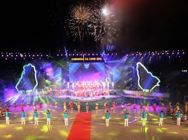 Pembukaan malam festival Carnaval Ha Long tahun 2016 di provinsi Quang Ninh