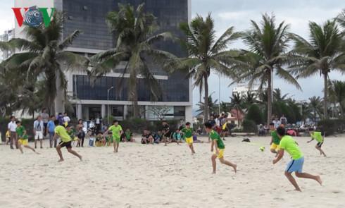 Banyak provinsi dan kota di Vietnam membuka musim wisata bahari