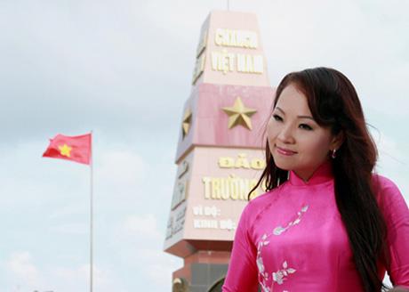 Khanh Hoa con su desbordante amor de cantar sobre el mar, islas y soldados