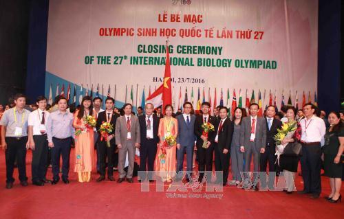 Galardonados los estudiantes vietnamitas en XXVII Olimpiada Internacional de Biología