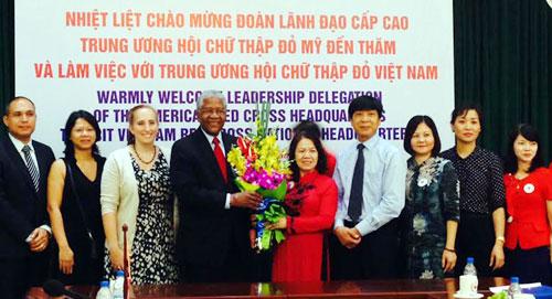 Destacan ayuda de Cruz Roja estadounidense a programas humanitarios de Vietnam