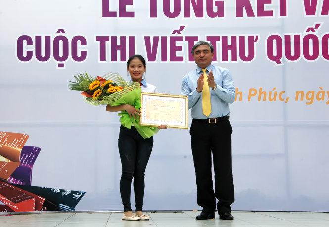 Estudiante vietnamita recibe premio en Concurso mundial de composiciones epistolares