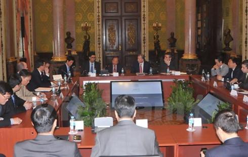 Vietnam y México afianzan cooperación financiera