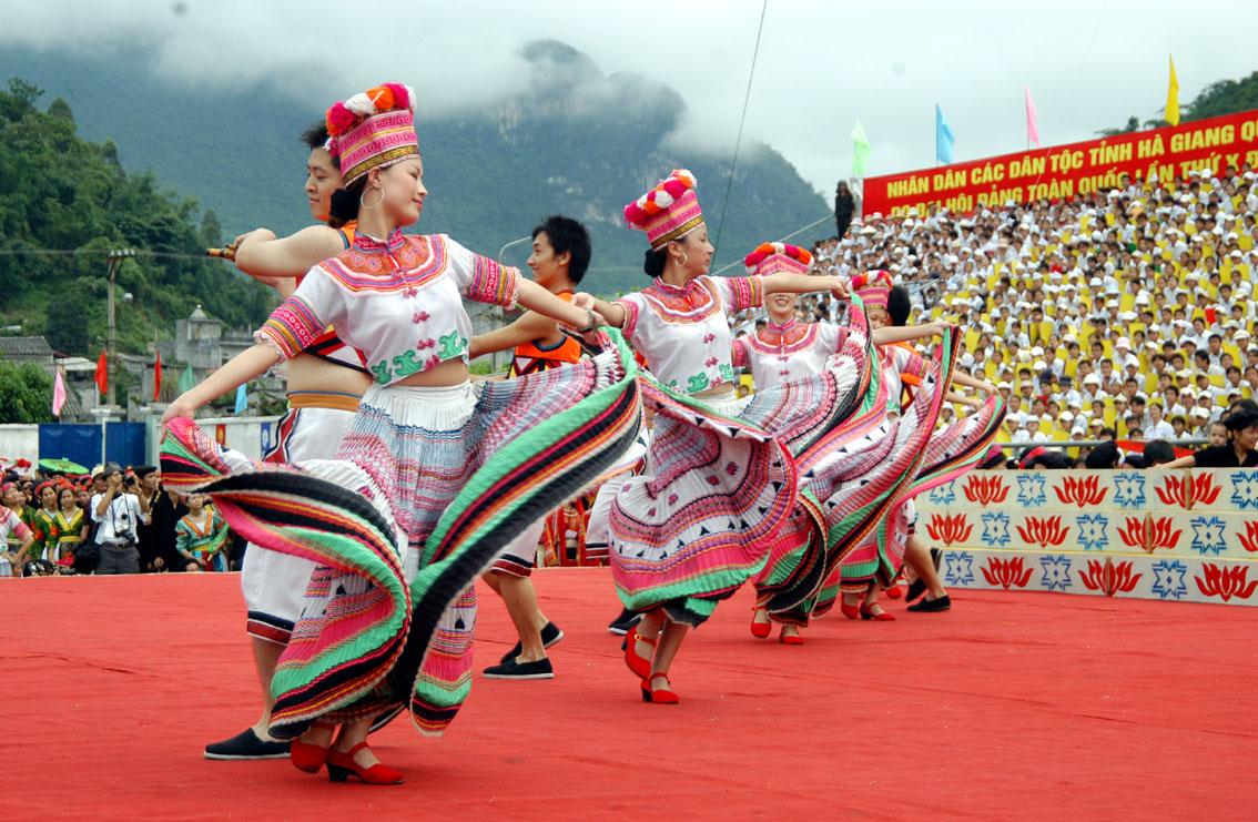 Celebran en Hanoi Día Cultural de las minorías étnicas vietnamitas