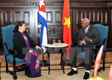 越南和古巴决心密切两国国会的关系