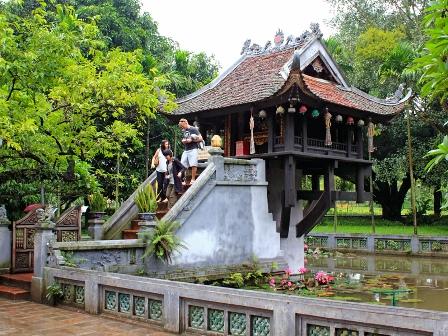 Thông tin về di sản Chùa Một Cột; giới thiệu một số điểm du lịch trong tháng 4