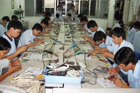 Nâng cao trình độ, kỹ năng nghề cho lao động Việt Nam trong hội nhập quốc tế