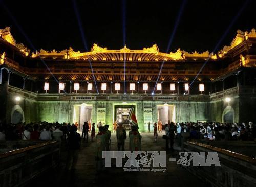 Mehr als 300 Künstler nehmen am Festival der traditionellen Berufe in Hue 2017 teil