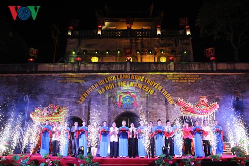 Tourismus-Festival über traditionelle Handwerksdörfer in Hanoi