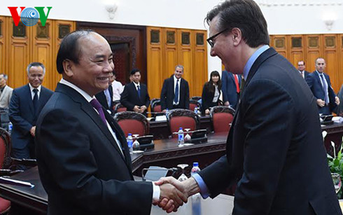 Une délégation du Conseil d'affaires Etats-Unis-ASEAN reçue par Nguyen Xuan Phuc