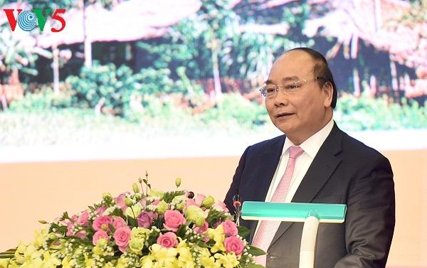 Nguyen Xuan Phuc à la conférence de promotion d'investissement de Tuyen Quang