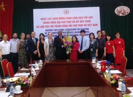 Das Rote Kreuz der USA unterstützt die humanitären Projekte in Vietnam mit 20 Millionen US-Dollar
