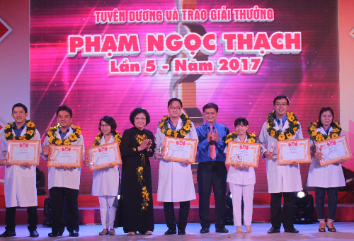 Activities underway to mark Vietnam Physicians' Day