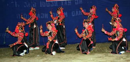 ハニー族の伝統芸能