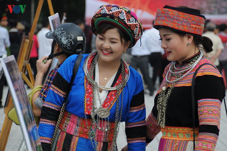 モン族の文化祭