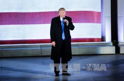 米国のトランプ次期大統領が直面する試練