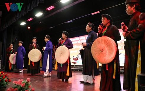 各国在住ベトナム人、2017年の新春を祝う