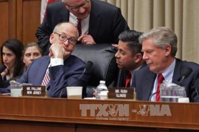 米議会、オバマケア見直し採決延期=新政権の運営能力に不安も