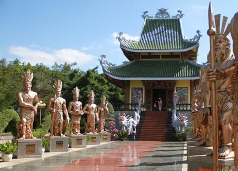 ベトナム建国の祖「フン王」を祀る信仰・ベトナム人の団結心を培養