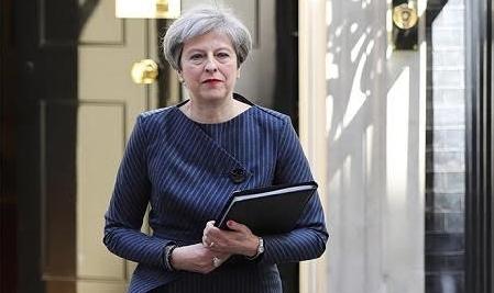 英国の総選挙の前倒しをめぐる問題