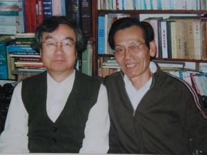 Bapak Phan Trac Canh-seorang kokektor buku lama