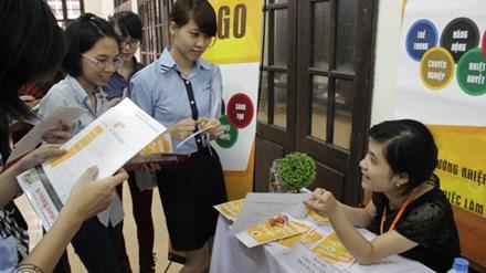 Saudara Nguyen Dang Vu membantu kaum mahasiswa mencari lapangan kerja