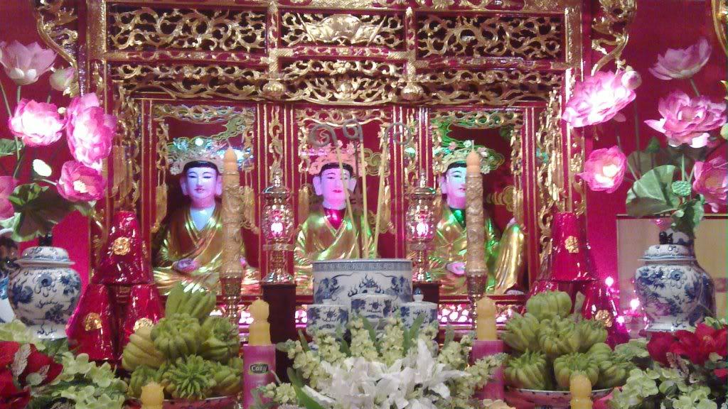 Keyakinan Memuja Tri Dewi Ibunda: Dari kalangan rakyat ke kehidupan satu pusaka budaya nonbendawi dari umat manusia
