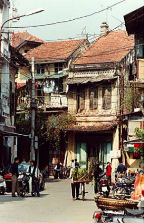 Hanoi ancient streets in the eyes of foreign visitors