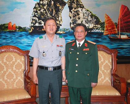 RoK, Vietnam strengthen national defense cooperation