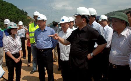 Deputy PM spurs on Noi Bai – Lao Cai Highway project