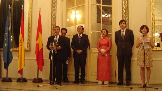 Vietnam and Spain mark 35th anniversary of diplomatic ties