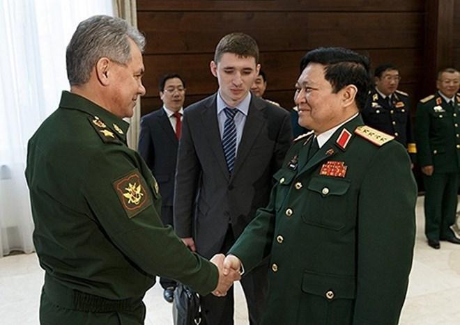 Vietnam, Russia to beef up defence ties