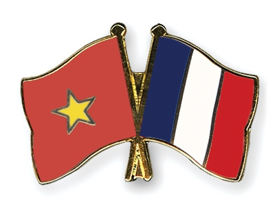 Vietnam attaches importance to strategic partnership with France
