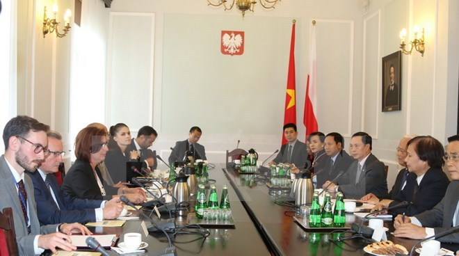 Vietnam, Poland asked to expand cooperation in strong fields