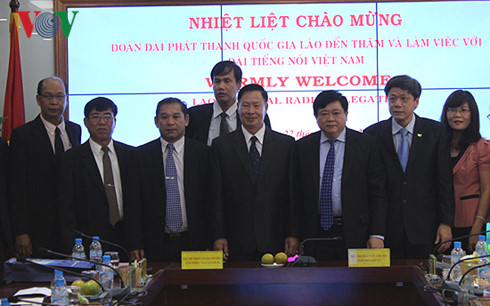 VOV, Lao National Radio strengthen cooperation
