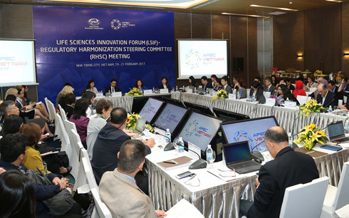 Vietnam impresses delegates to APEC meetings