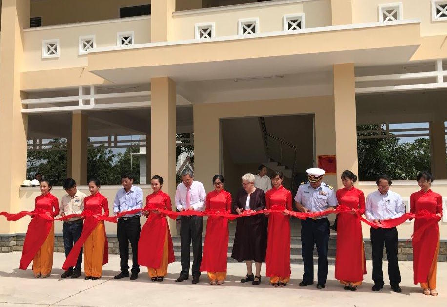 US provides more assistance to Vietnamese localities