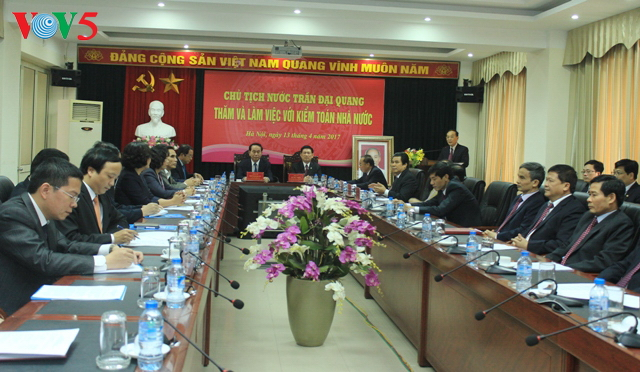 President Tran Dai Quang works with State Audit