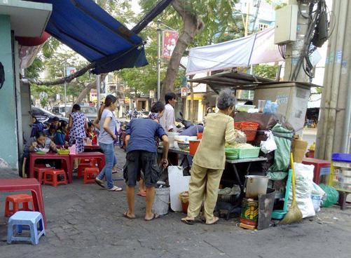 Cultural characteristics of street food in Ho Chi Minh City