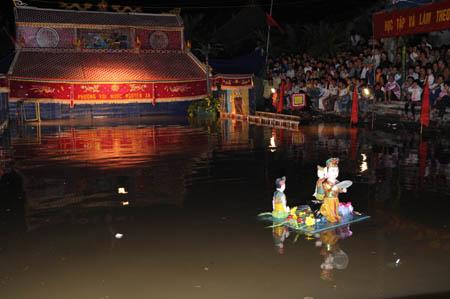 タイビン省グエン地区の水上人形劇