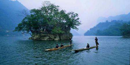 ベトナムの唯一の山岳湖バーベー
