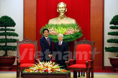 チョン書記長、日本の安倍首相と会見